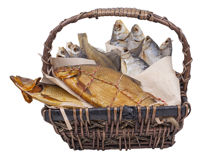 Use a suitable fish basket